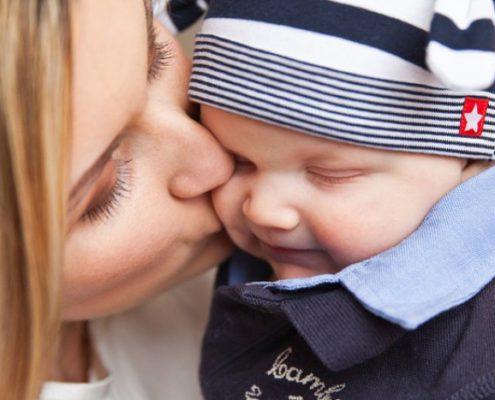 La dépression maternelle est fréquente après l'accouchement chez les femmes
